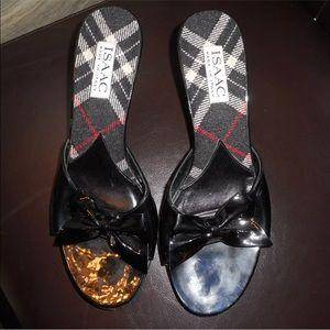 Issac mizrahi sz 7.5 patent leather black sandals